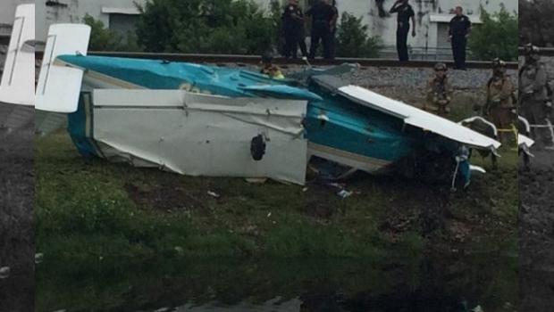 Se Desploma Avioneta En Aeropuerto De Florida, Hay 3 Lesionados