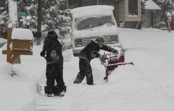Un Muerto Por Tormenta De Nieve En Denver