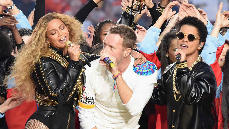 Super Bowl 2016: Coldplay, Beyoncé Y Bruno Mars Deslumbraron En El Entretiempo