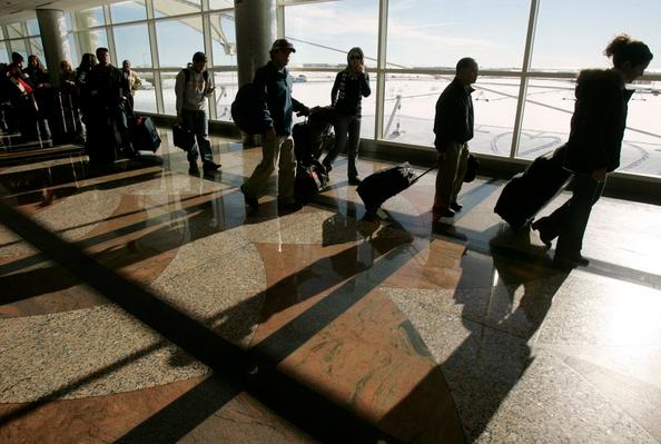 Evacúan Zona Del Aeropuerto De Denver Por Posible Amenaza De Seguridad