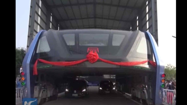 China Prueba Su Innovador Bus Elevado