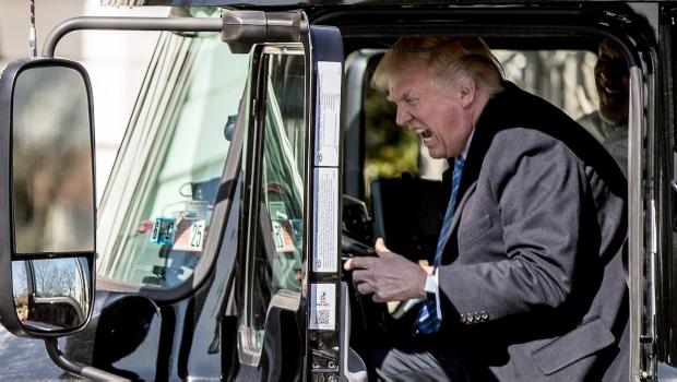 Ordena Trump Mayor Revisión Y Rigor En Visas