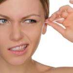 ¿Por qué es peligroso limpiarse los oídos con bastoncitos y cómo debe hacerse correctamente?