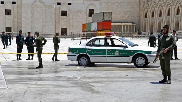 Deja 12 Muertos Ataques Del EI En Capital De Irán
