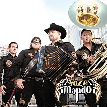 Voz De Mando Cantó Hip Hop En Su Concierto Del Pico Rivera En California