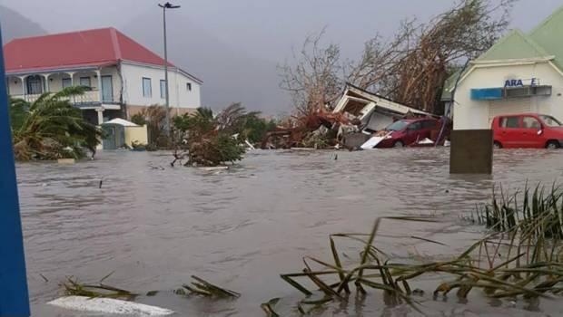 """Inundaciones """"catastróficas"""" En Sureste De EEUU Porque Florence Sigue Casi Estancado"""