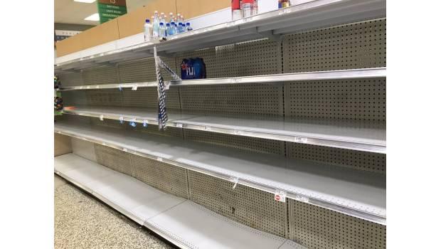 Se Agotan Víveres Y Combustible En Florida Por Llegada De 'Irma'