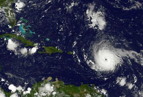 El Huracán Irma Acecha Al Sur De La Florida