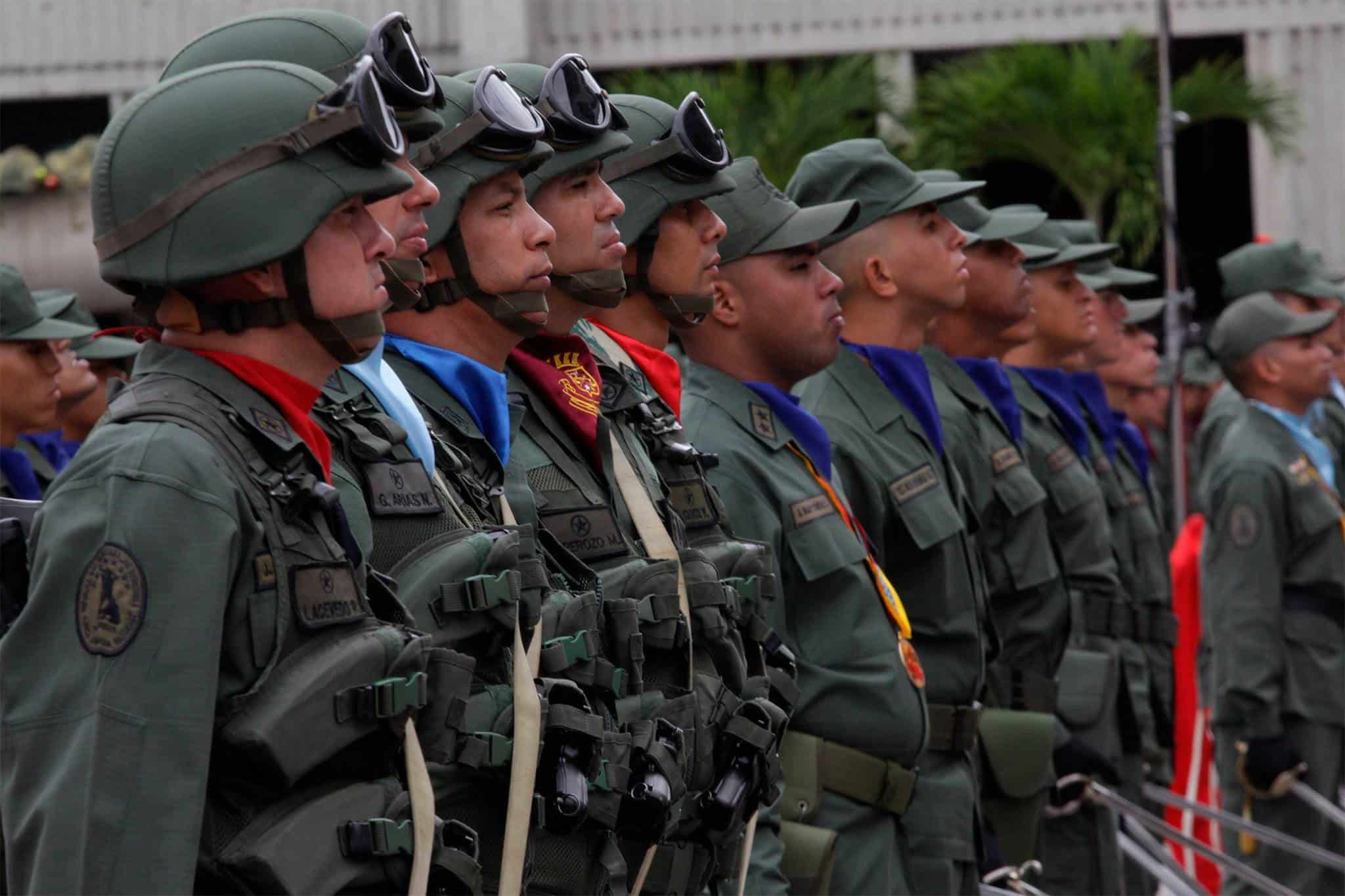 NICOLÁS MADURO MOVILIZA MILITARES A FRONTERA CON COLOMBIA