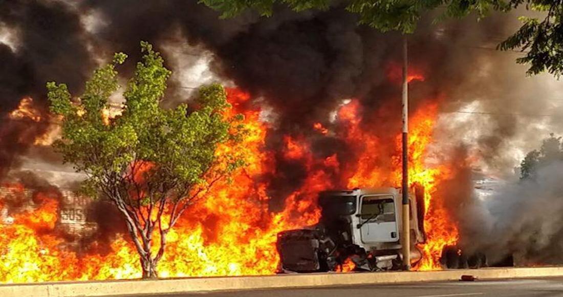 Tráiler Se Queda Sin Frenos Y Provoca Accidente Fatal: Mueren 6 Personas