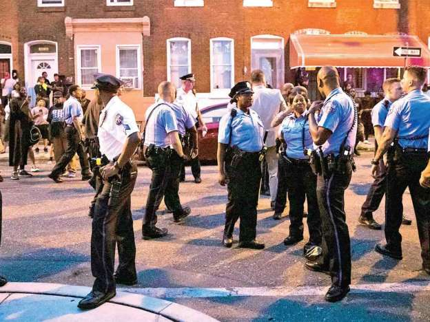 Cateo Por Droga Desata Tiroteo; Seis Policías Heridos En Filadelfia