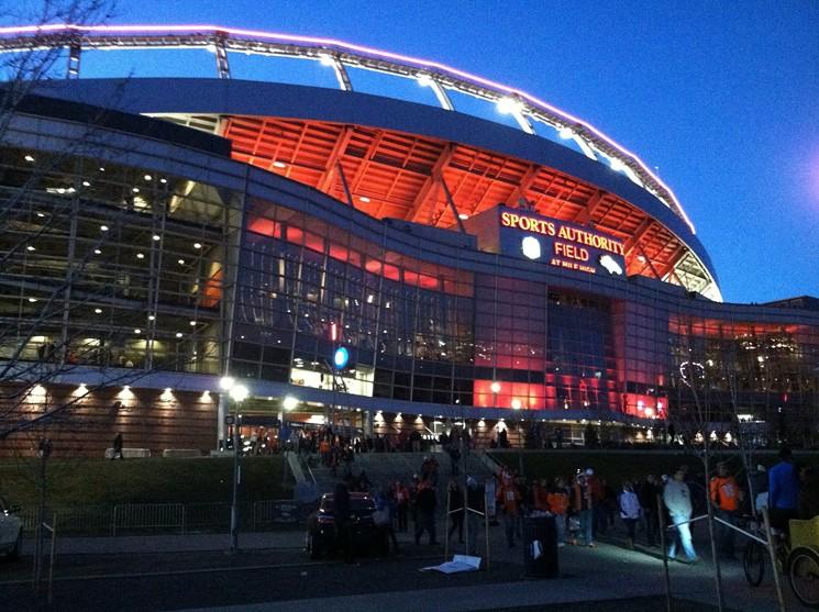 Estadio De Los Denver Broncos Tiene Nuevo Nombre