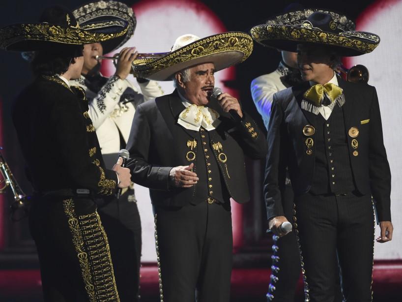 La Dinastía Fernández Asombra Con Su Actuación En El Grammy Latino