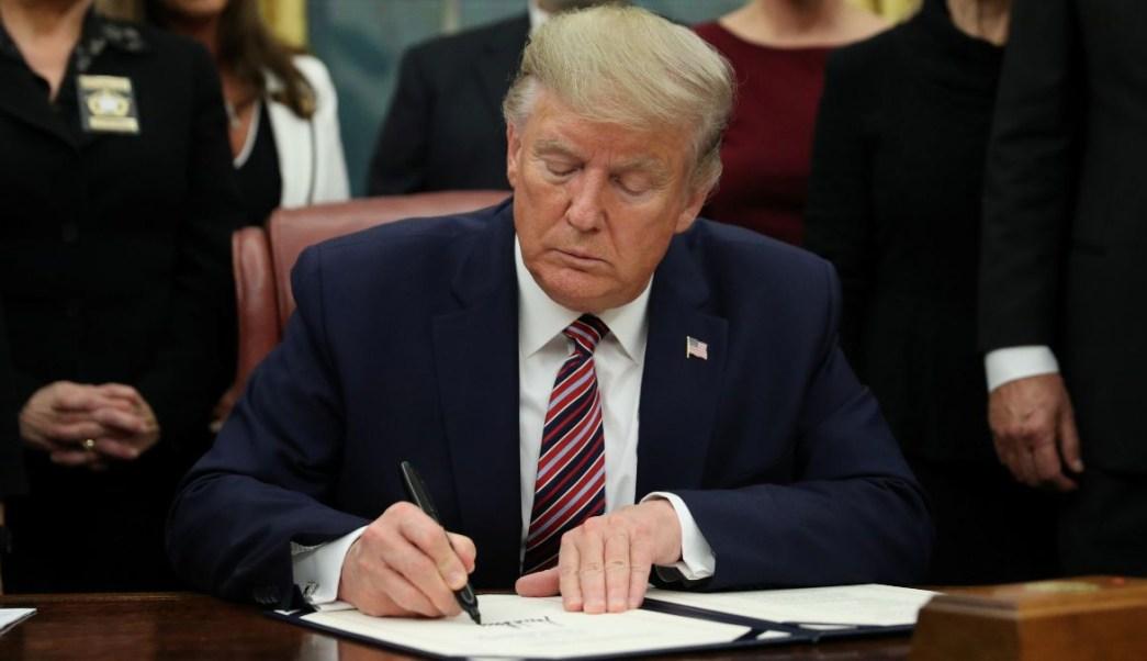 Trump Suspende Negociación Sobre Ayuda Económica Por COVID