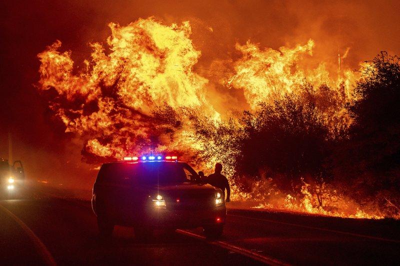 Decenas De Muertos Y Desaparecidos: La Costa Oeste Continúa Bajo El Azote De Los Voraces Incendios